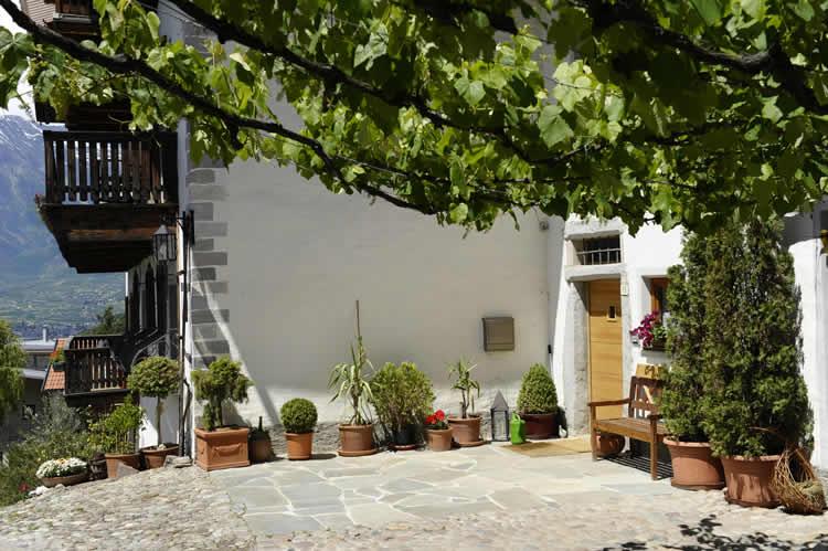 Felderer hof appartamenti agriturismo azienda vinicola for Azienda di soggiorno merano